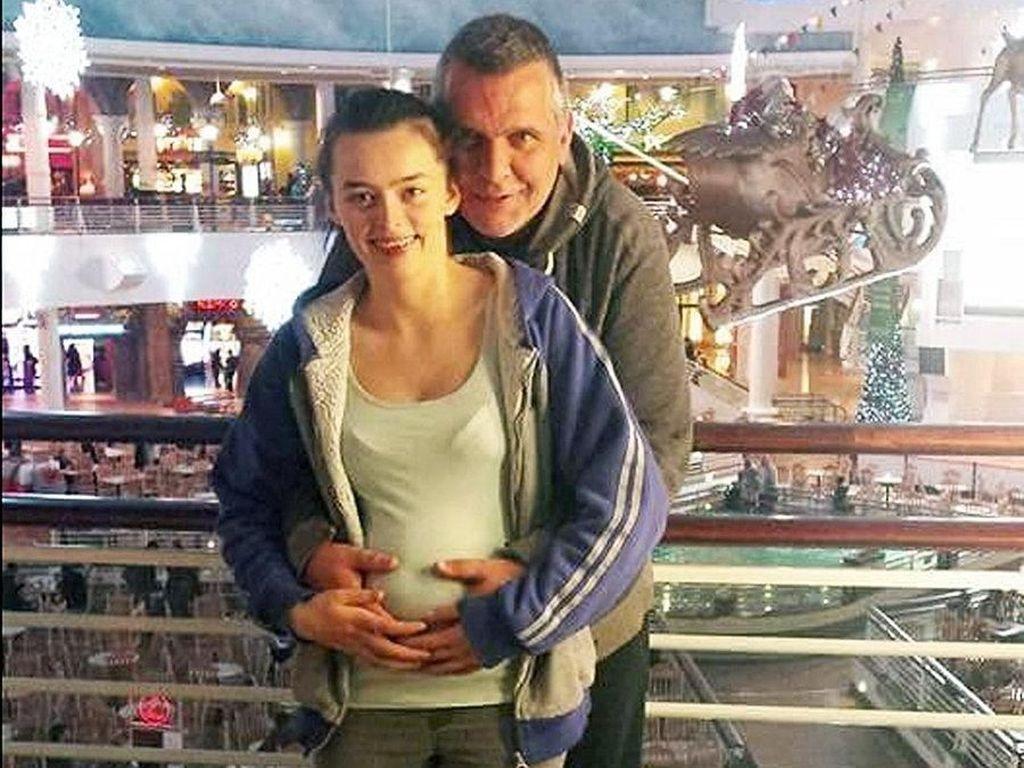 Kisah Pasangan Nikah Beda Usia 27 Tahun yang Sering Diejek Menyeramkan