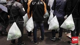 FOTO: Berbondong-bondong Pengemudi Uber Mendaftar Gojek