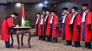 Anwar Usman Ketua, Koalisi Sipil Nilai Masih Ada Kubu di MK