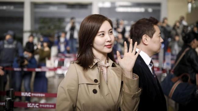 Seohhyun, aktris dan vokalis Girl's Generations, menyanyikan lagu pop Korea Utara berjudul