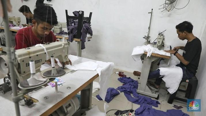 PNS-BUMN Bisa Kerja di Rumah, Nasib Buruh Pabrik Sebaliknya