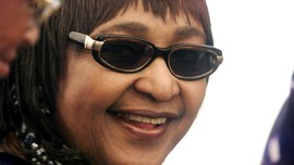 Winnie 'Anti-apartheid', Eks Istri Nelson Mandela Meninggal