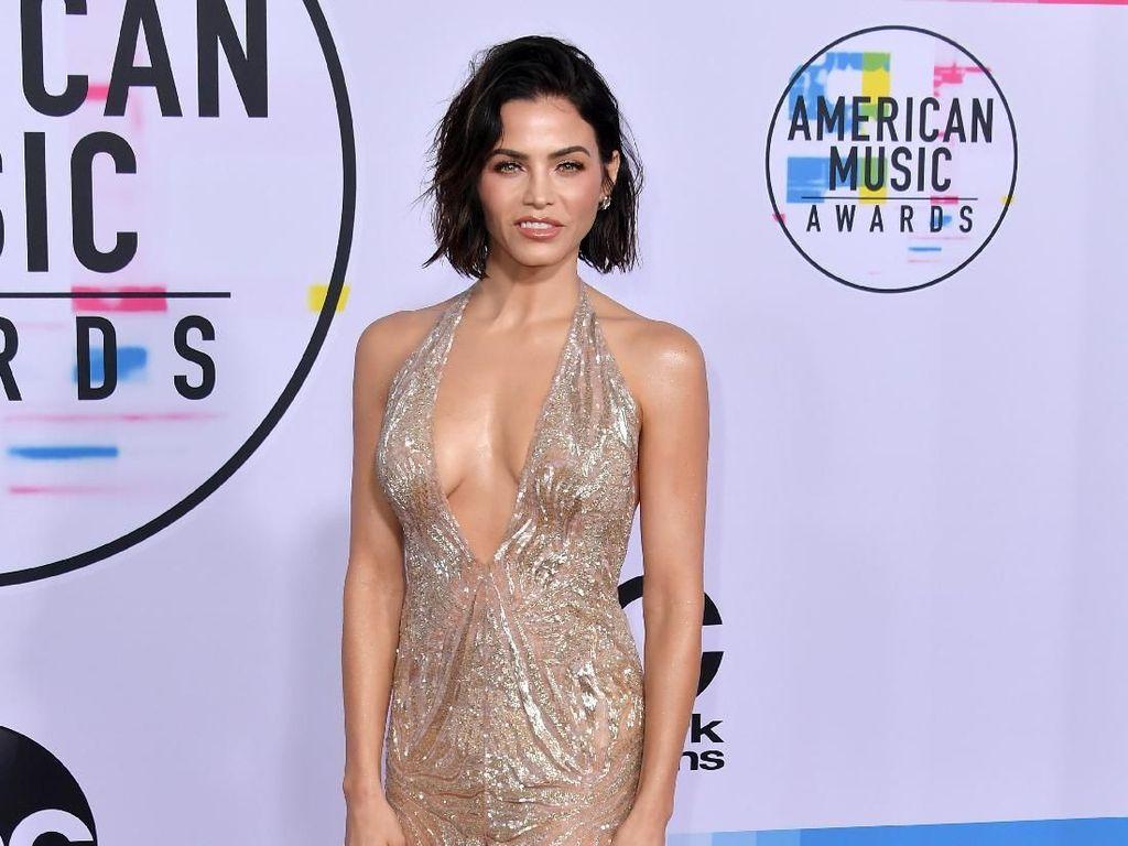 10 Gaya Seksi Jenna Dewan, Aktris yang Cerai dari Channing Tatum