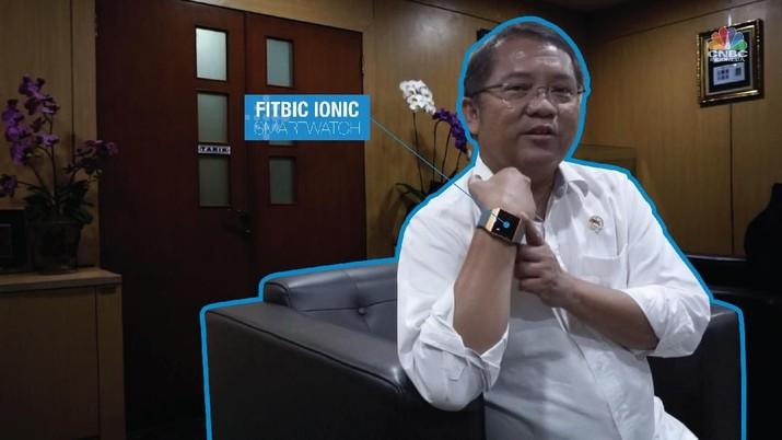 Menteri Rudiantara Pakai Jam Pintar Ini untuk Hitung Langkah