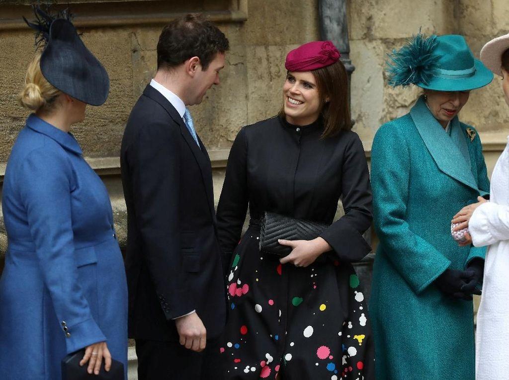 Pakai Gaun Bermotif Cipratan, Sepupu Pangeran William Curi Perhatian
