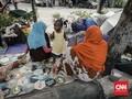 Lari dari Perang Afghanistan, Terdampar di Trotoar Kalideres