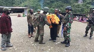 OPM Kabur saat TNI Urus Bayi Usai Baku Tembak