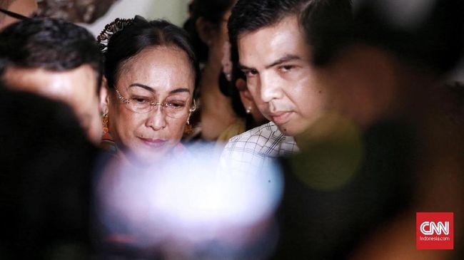 Sambil Menangis, Sukmawati Soekarnoputri Minta Maaf