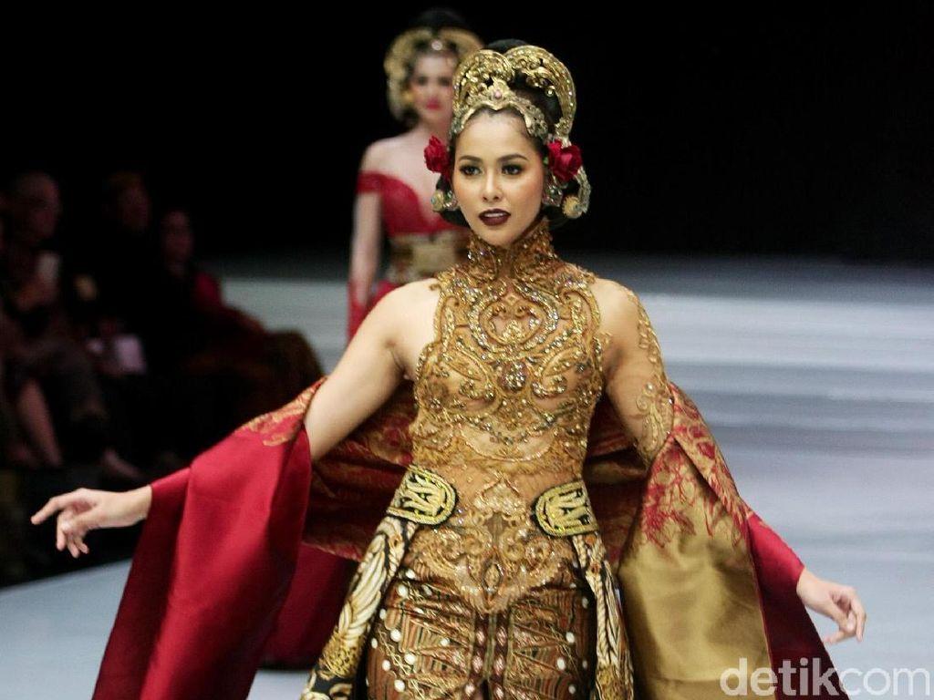 Foto: 25 Kebaya Modern Anne Avantie Terbaru 2018