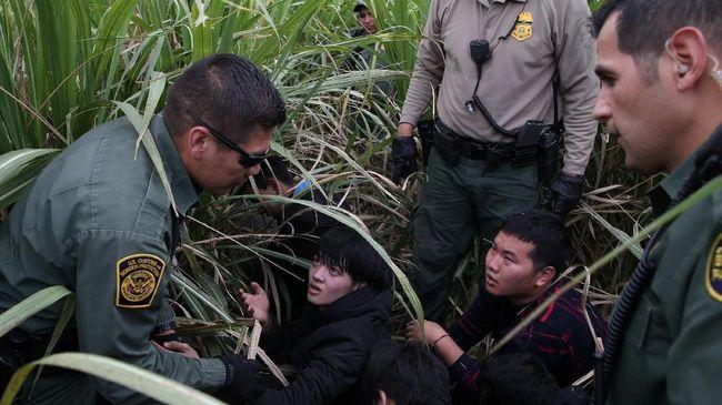 Trump Kirim Ribuan Pasukan ke Perbatasan AS-Meksiko
