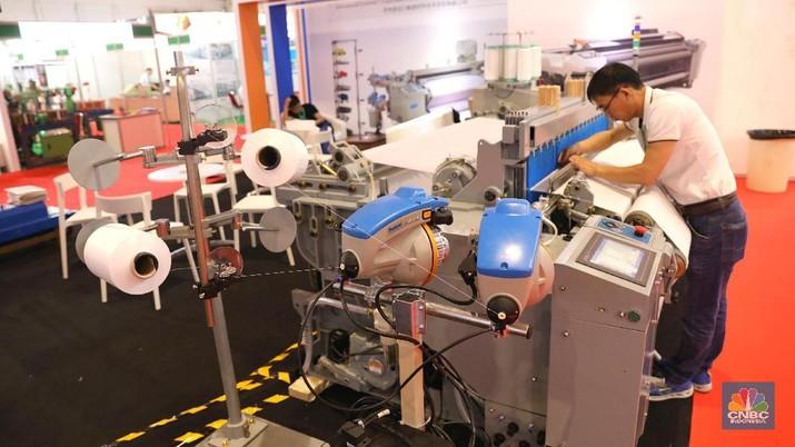 Pameran yang menghadirkan 900 perusahaan dari perusahaan lokal dan 23 mancanegara yang bergerak dalam industri tekstil dan garmen.
