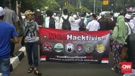 Spanduk Muslim Cyber Army Terbentang di Aksi 64