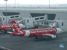 Dolar AS Nyaris Rp 14.000, AirAsia: Tarif Tiket Pesawat Naik!
