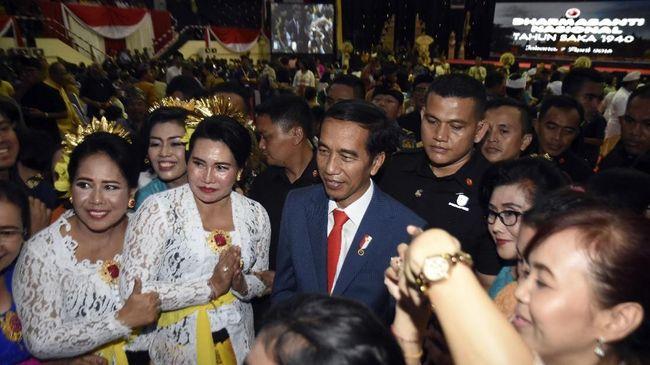 Jokowi Minta Maaf Salah Kostum