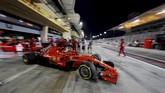 Sebastian Vettel hanya finis di posisi tercepat keempat pada latihan bebas pertama (FP1), dan sukses berada di posisi kedua pada FP2 Sabtu (7/8) ini. (REUTERS/Hamad I Mohammed)