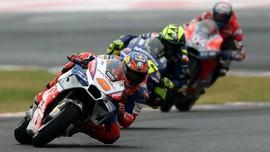 FOTO: Crutchlow Juara MotoGP Argentina, Marquez Tabrak Rossi