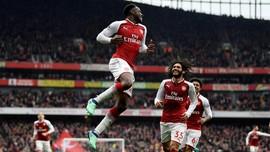 Sepasang Gol Welbeck Menangkan Arsenal Atas Southampton