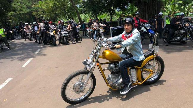 Jokowi <i>Touring</i> Pelabuhanratu Naik Chopperland