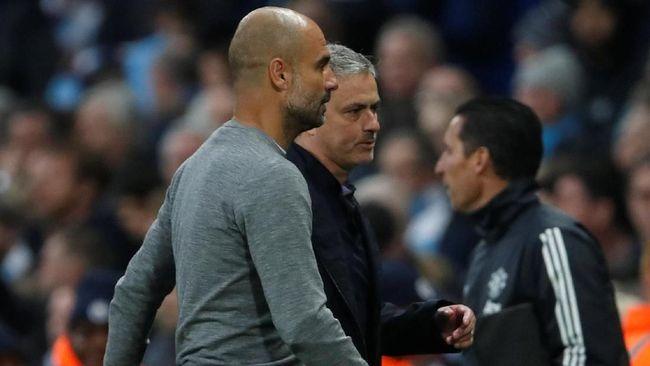 Mourinho Tak Terima Gelar Guardiola Lebih Banyak