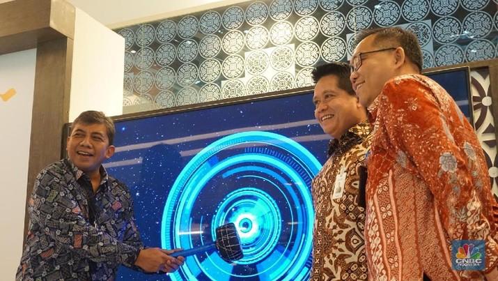 PT Bank Mandiri (Persero) Tbk (Bank Mandiri) memperkenalkan kartu Mandiri Debit berlogo Gerbang Pembayaran Nasional (GPN)