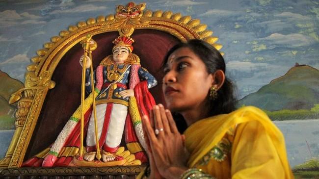 Aceh boleh dikenal sebagai Serambi Mekkah. Namun daerah itu juga punya sekelumit umat Hindu, yang setiap bulan purnama pertama pada bulan Thai di kalender Tamil merayakan Thaipoosam alias Thaipusam. (Khalis Surry - Anadolu Agency)