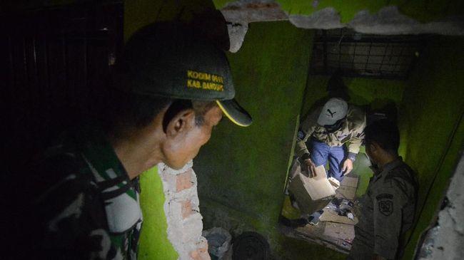 Polisi Buru Sumber Bahan Miras Oplosan di Cicalengka