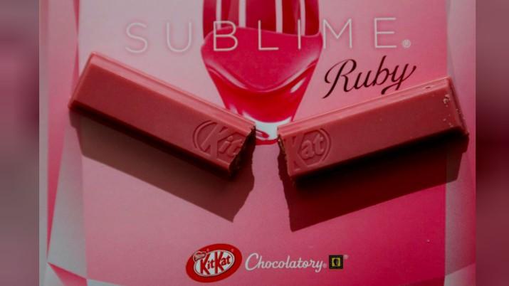 Nestle kenalkan KitKat cokelat rubi yang merupakan jenis cokelat baru selain hitam, susu, dan putih.