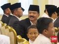 <i>Selfie</i> dan Juru Foto Dadakan Para Pembantu Jokowi