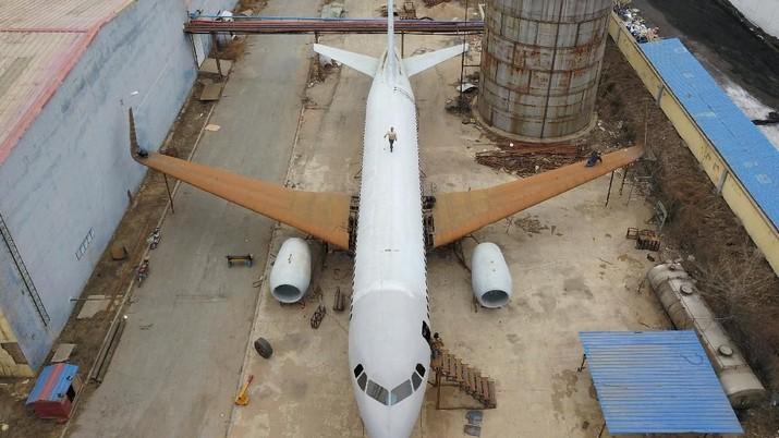 Montir Mobil Ini Bikin Sendiri Pesawat Airbus A320