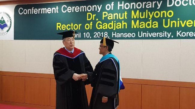 Gelar Kehormatan Universitas Hanseo Korsel buat Rektor UGM