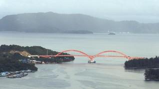 Jokowi Harap Jembatan Holtekamp Dorong Ekonomi Papua