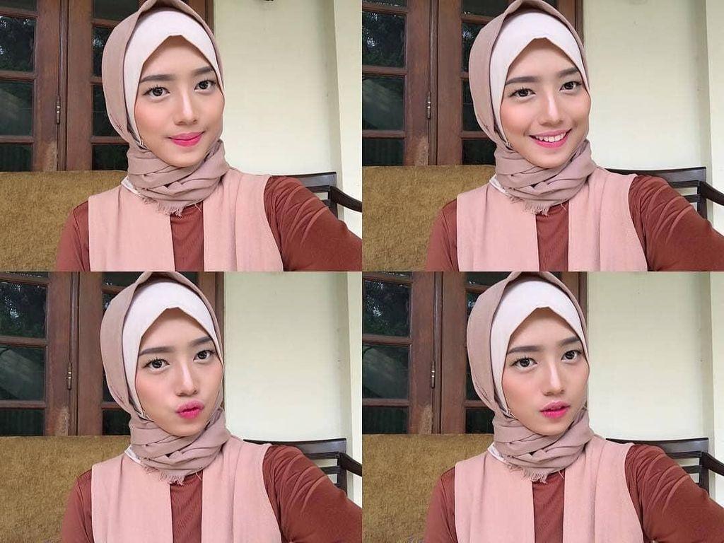 Dena Eks JKT48 Berhijab, Ini Gayanya yang Bisa Jadi Inspirasi Remaja