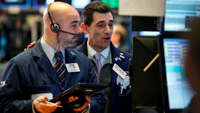Wall Street Jatuh di Pembukaan Merespons Ketegangan AS-China