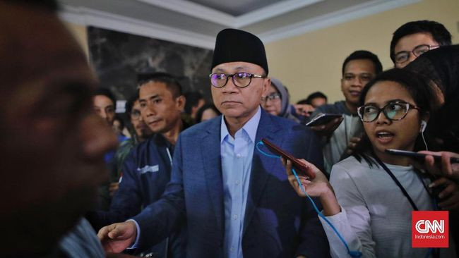 Buka Puasa Bersama, Zulhas Puji Jokowi Rajin Sambangi Ulama