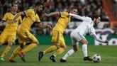 Tensi pertandingan meningkat setelah Mandzukic membawa Juventus unggul. Bianconeri dan Los Blancos saling berbalas menekan serta bergantian menyerang. (REUTERS/Susana Vera)