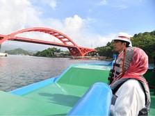 Romantisme Jokowi & Iriana di Jembatan Terpanjang di Timur RI