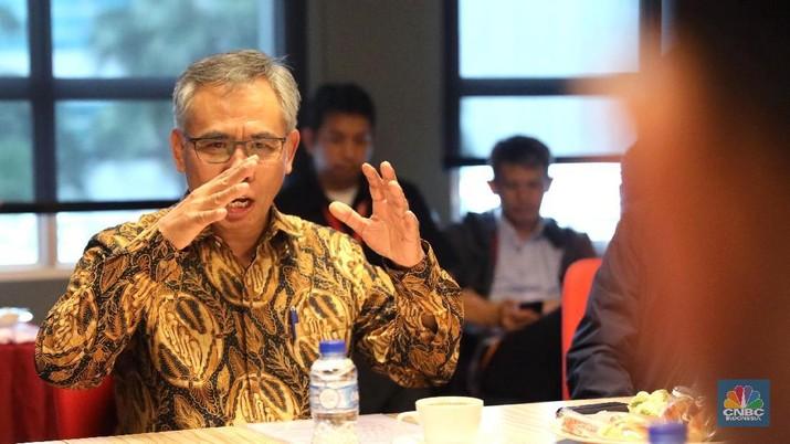 Otoritas Jasa Keuangan (OJK) memaparkan kondisi perekonomian Indonesia yang saat ini tengah digoncang oleh sentimen dari luar negeri.