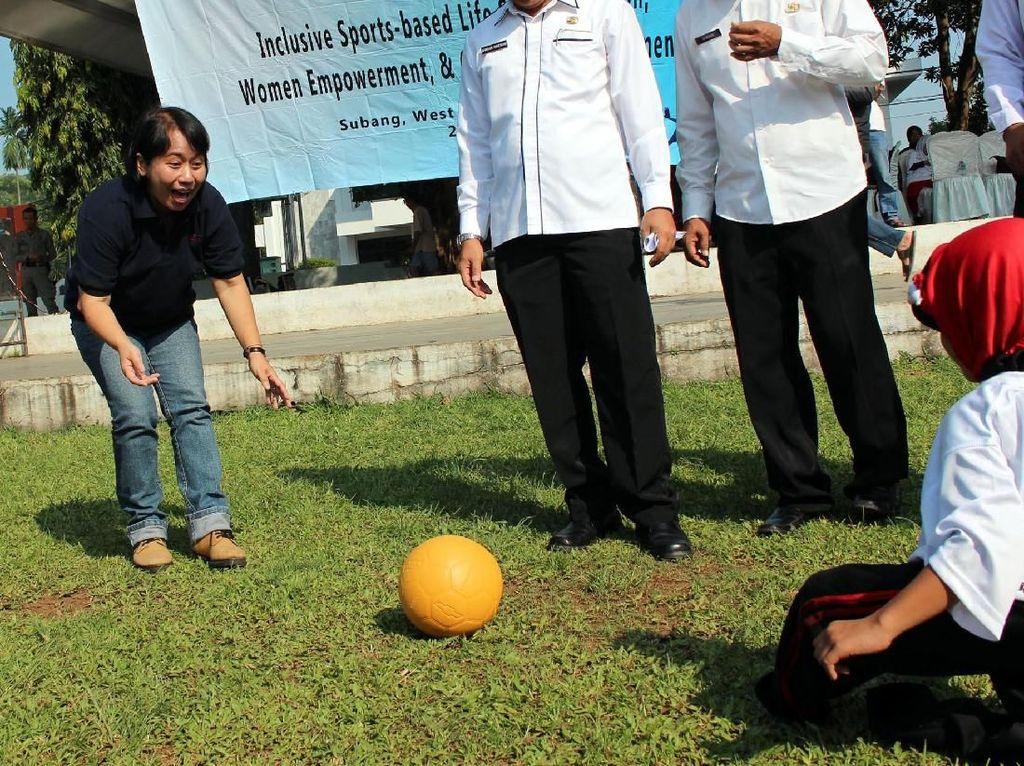 Event ini sebagai tindak lanjut dari kegiatan pelatihan teknik sepakbola kepada guru SD&SLB yang diprakarsai oleh RHYTM Foundation, QNET&ASA Foundation. Foto: dok. Pemkab Subang
