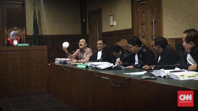 Sidang Fredrich Yunadi Memanas, Hakim Teriak dan Ketuk Palu