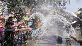 FOTO: Tiga Hari Bermain Air di Festival Songkran