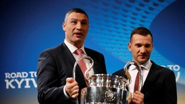 Milan Diterpa Krisis, Pihak Klub Dekati Shevchenko