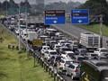 Puluhan Ribu Mobil dari Jakarta Padati Puncak
