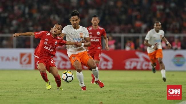 Persija Jakarta menjamu Borneo FC dalam lanjutan Liga 1 2018 di Stadion Utama Gelora Bung Karno (SUGBK), Sabtu (14/4). (CNN Indonesia/Adhi Wicaksono)
