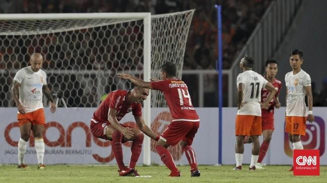 Persija Jakarta kini mengoleksi tujuh poin dari empat pekan awal Liga 1 2018. Koleksi poin Borneo FC juga ada di angka yang sama. (CNN Indonesia/Adhi Wicaksono)