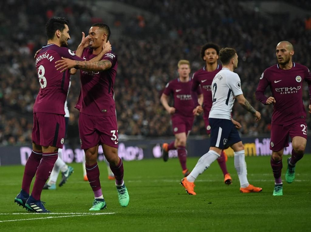 Manchester City 1-3 Tottenham (14 April 2018). City membuktikan mentalitas usai melewati tiga kekalahan beruntun dalam sepekan (dua lawan Liverpool di Liga Champions dan atas MU di Premier League) dengan kemenangan meyakinkan atas Spurs. (Foto: Shaun Botterill/Getty Images)