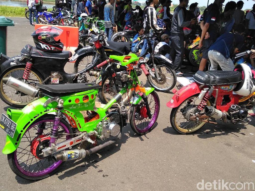 Selain drag bike dalam even ini juga ada fun game yang diikuti oleb peserta Soeroboyo Cup Day 2018.