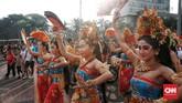 Kali ini mereka tak tampil di hadapan petinggi ASEAN, melainkan di jalanan. (CNN Indonesia/Andry Novelino)