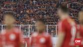 Persija Jakarta mendapatkan dukungan puluhan ribu suporter dalam laga lawan Borneo FC. Suporter sukses memberikan tenaga ekstra untuk Macan Kemayoran. (CNN Indonesia/Adhi Wicaksono)