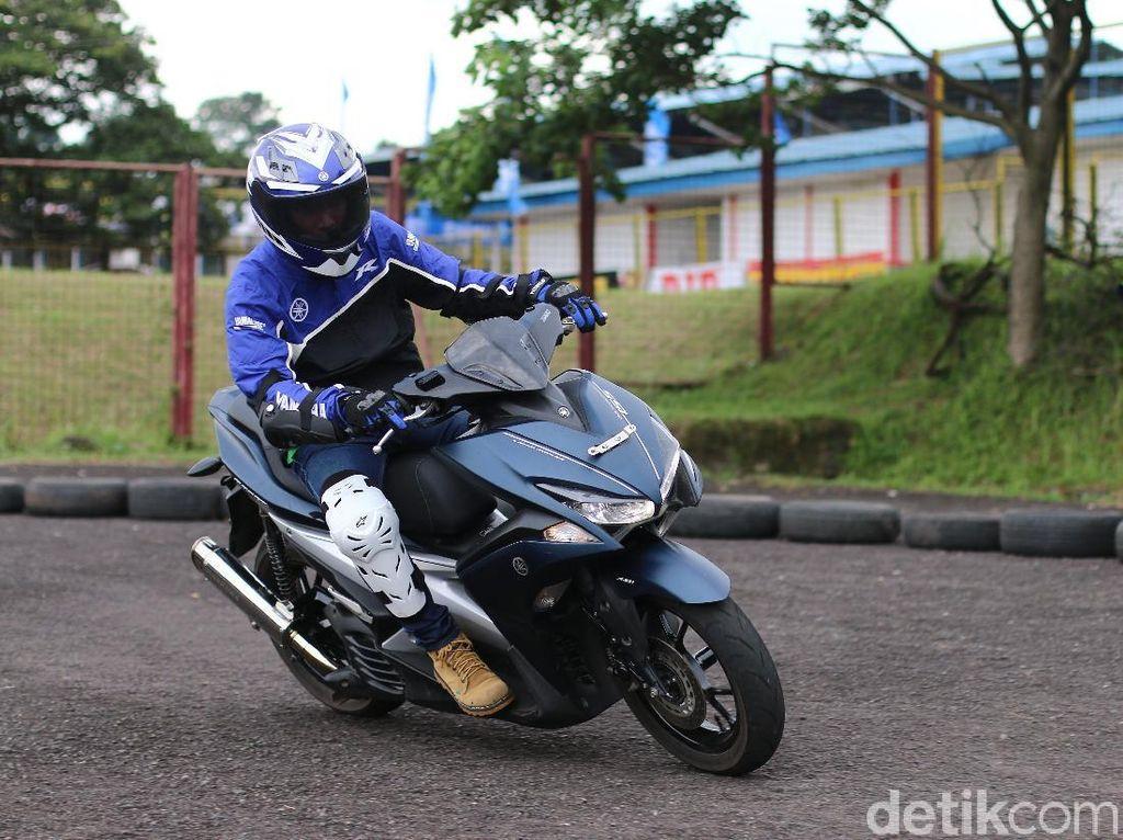 Yamaha menggelar Yamaha Fun Riding Competition menggunakan motor Aerox yang diadakan di sela-sela Yamaha Sunday Race (YSR) beberapa waktu lalu.Foto: Yamaha