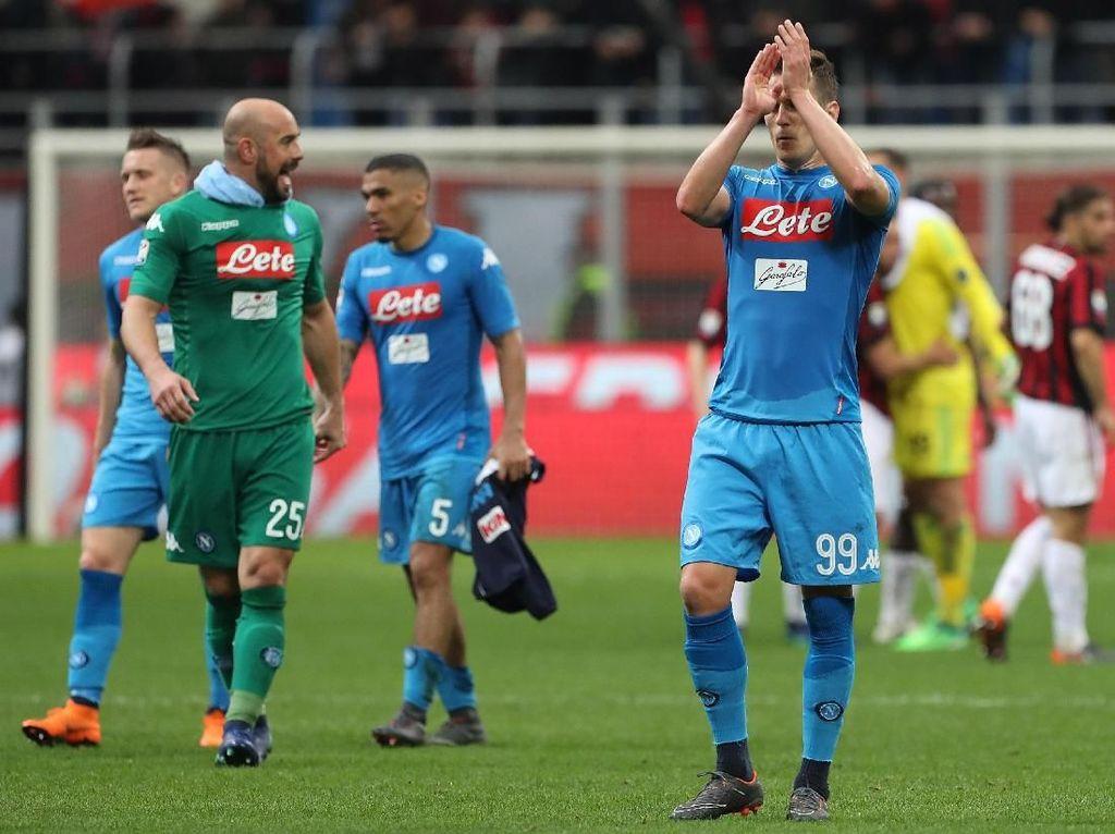 Jarak Napoli dengan Juve bisa menjadi melebar jika Bianconeri bisa menang dari Sampdoria. Sementara itu, Milan juga tak beranjak dari posisi keenam dengan 53 poin. Marco Luzzani/Getty Images.
